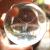 ジェancard.の鹿水晶球回転木製バネ式オルゴ-ルは女友達の奥さんクレエテ-ルに誕生日プレゼントします。