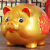 傾泡陶磁器の金豚の貯金箱はお金を貯めるための貯金箱しか入れません。